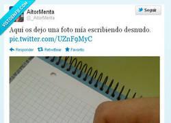 Enlace a Escribiendo desnudo por @_AitorMenta