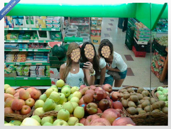 chonis,espejo,foto tuenti,fruteria,supermercado