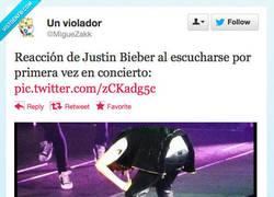 Enlace a ¡OH DIOS SANTO, ES HORRIBLE! por @Miguezakk