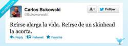 Enlace a Reírse no es tan sano por @bukowwwski