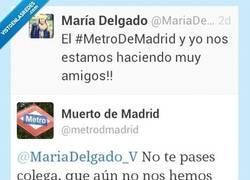 Enlace a Ahora se llama a cualquiera amigo por @mariadelgado y @metrodmadrid