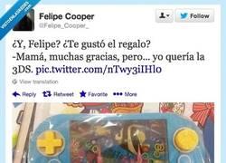 Enlace a Si al menos tiene pantalla táctil, me lo quedo por @Felipe_Cooper_