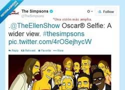 Enlace a La verdadera historia del selfie más famoso por @TheSimpsons