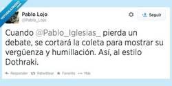 Enlace a Mientras cabalga a lomos de su noble corcel por @Pablo_Lojo