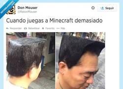 Enlace a Minecraft o un poco Guile del Street Fighter también por @RatonMouser