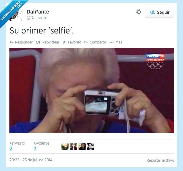 abuela,cámara,dalirante,fail,ojo,selfie