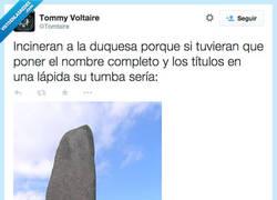 Enlace a De la época la tumba ya es por @Tomtaire
