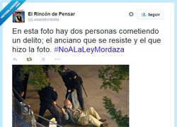 Enlace a La Ley Mordaza, todos somos delincuentes menos el Gobierno por @LuisaoMoratalla