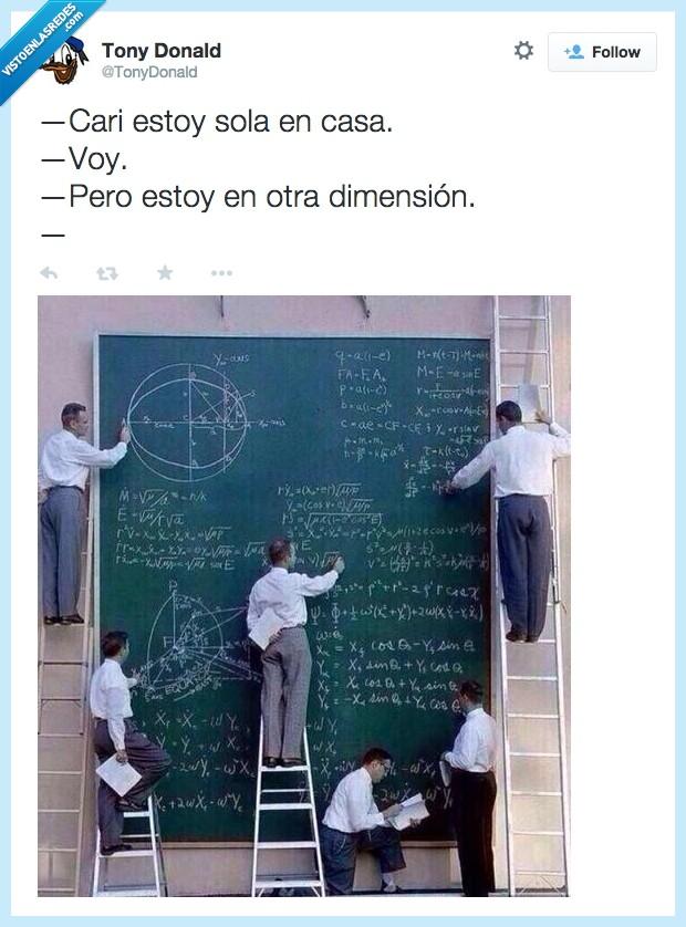 calcular,casa,dimension,hacer lo imposible,novia,otra dimension,sola