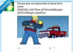 Enlace a El CM de la @PoliciadeBurgos es un fan de Los Simpson, está claro