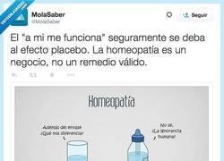 Enlace a Agua vs. Homeopatía por @MolaSaber