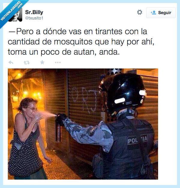 antidisturbio,antimosquito,autan,ayudar,manifestante,mosquito,mujer,ojos,spray,tirante