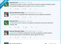 Enlace a La @guardiacivil se pasa al Lado oscuro...