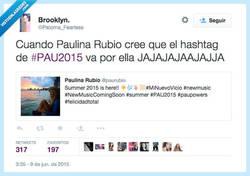 Enlace a Creo que Paulina Rubio no ha pillado que #PAU2015 no es para ella, por @Paloma_Fearless