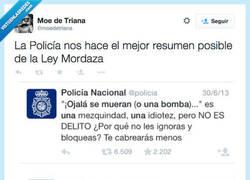 Enlace a Esta ley es tan confusa que se hirió a si misma por @moedetriana