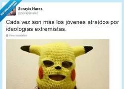 Enlace a Igual te quema un container que te hace un Impact Trueno por @SorayaNarez