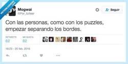 Enlace a ¿En qué se parecen las personas a los puzzles? por @Por_tuitear