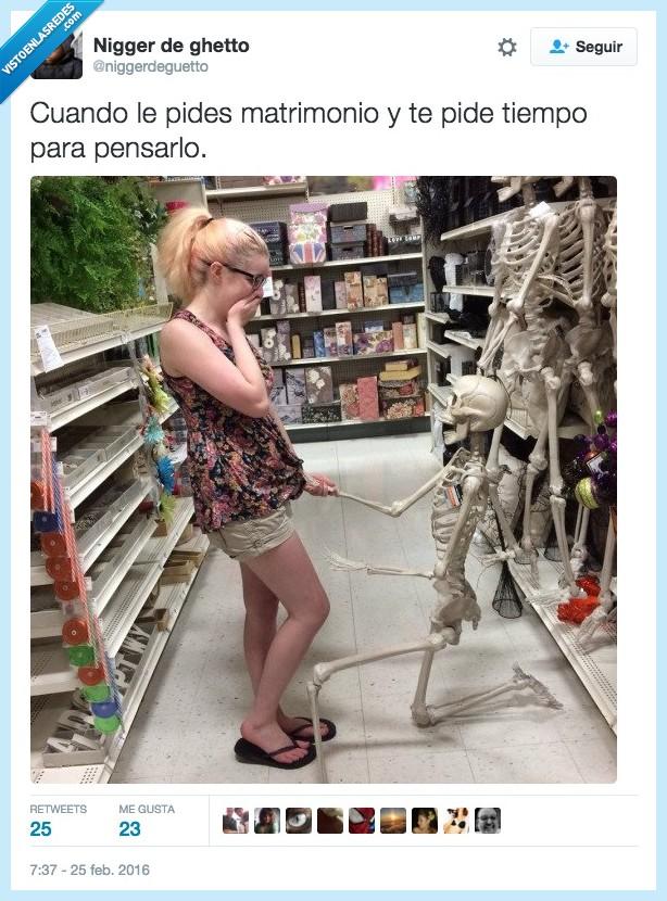 amor,esperar,esqueleto,halloween,matrimonio,morir,pedida,pedir,pensar,tiempo