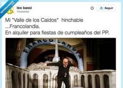 Enlace a Como Cortilandia, pero en versión franquista por @bassileo