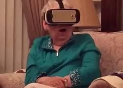Enlace a Reacción de mi abuela al ver el nuevo vídeo de Leticia Sabater