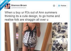 Enlace a Chica se compra un pijama y no descubre los obscenos dibujos hasta llegar a casa