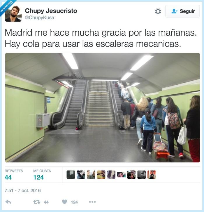 cola,escaleras mecánicas,metro