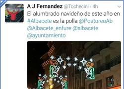 Enlace a Y esto pasa cuando le encargas la iluminación de Navidad de Albacete al becario por @tochecini