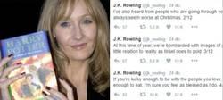 Enlace a J.K. Rowling felicita la Navidad con una carta muy emotiva y Twitter se rinde a sus pies