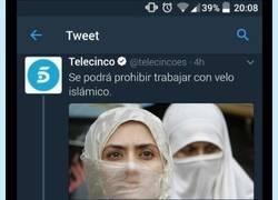 Enlace a La noticia de la prohibición del velo ha sacado lo peor de esta chica con estos tweets indignantes
