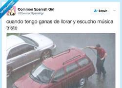 Enlace a Está lloviendo y tú así... por @CommonSpanishgr