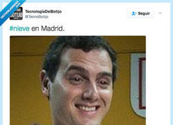 Enlace a Ha nevado en Madrid y se ha puesto muy feliz por@TecnoBotijo