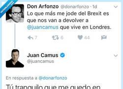Enlace a Juan Camus demuestra que el también tiene sentido del humor callándole la boca a este tuitero