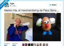 Enlace a El sinvergüenza se hizo hasta muñecos para promocionarse por @__tuan__