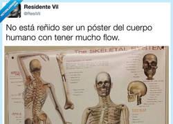 Enlace a Cuando te ha tocado ser esqueleto pero querías ser bailarín, por @ResiVil
