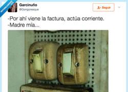 Enlace a Hasta los interruptores se asustan, por @Gongoresque