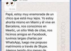 Enlace a La contestación de un padre que FLIPA con la relación cibernética que tiene su hija