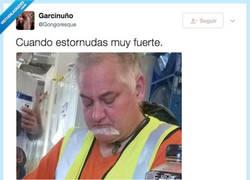 Enlace a Se le ha bajado el bigote a los tobillos, por @Gongoresque
