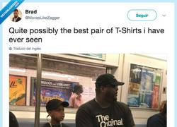 Enlace a Posiblemente el mejor par de camisetas padre-hijo que vas a ver en tu vida