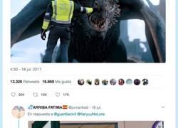 Enlace a El CM de la Guardia Civil revoluciona a Twitter con un tuitazo sobre Juego de Tronos