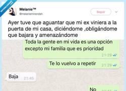 Enlace a Su ex la acosa por whatsapp y la amenaza duramente por negarse a hablar con él, por @melaniemirandah