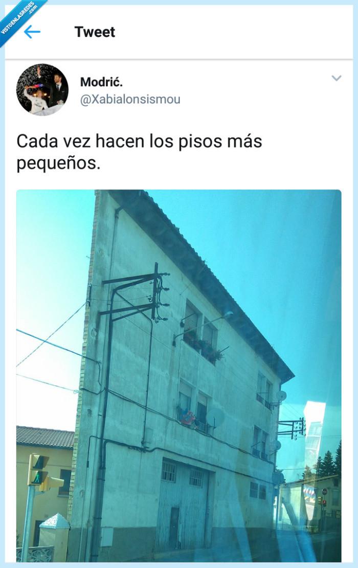 barcelona,pequeños,piso,twitter,un ladrillo