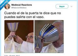 Enlace a Todo de un trago, por @ReaccionMedievo