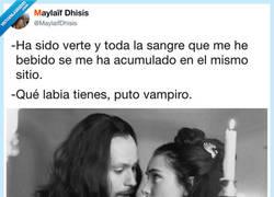 Enlace a Así ligan los vampiros, por @MaylaifDhisis