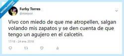 Enlace a Problemas de ser pobre por @adelpost