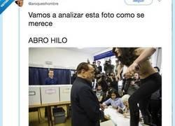 Enlace a Explica al detalle esta foto de Berlusconi con una activista y no puede ser más bueno,  por @aroquesihombre