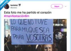 Enlace a La foto que nos emocionó de la manifestación, por @tonioioi