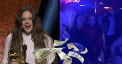 Enlace a Rosalía, declarada feminista, pillada en un club de striptease poniendo billetes en el culo de bailarinas