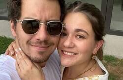 Enlace a Esta pareja ha descubierto que ya tenían una foto juntos antes de que ella naciera y han revolucionado Twitter