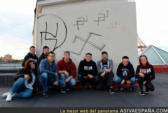 52137 - ¿Cuántos nazis hacen falta para dibujar bien una esvástica?
