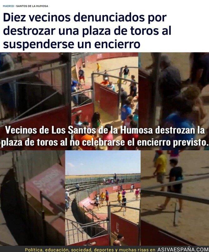 53739 - El lamentable comportamiento de los vecinos de Santos de la Humosa cuando les quitan los toros...